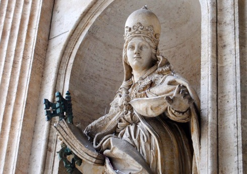 papacy statue st peters (2)